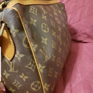 Authentic Louis Vuitton Tuileries crossbody